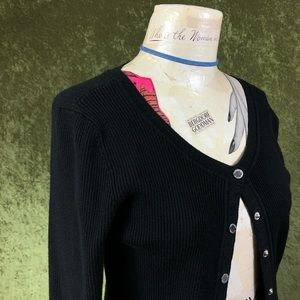 White House Black Market Sweaters - LAST CHANCE💞WHBM snap ribbed fitted cardigan